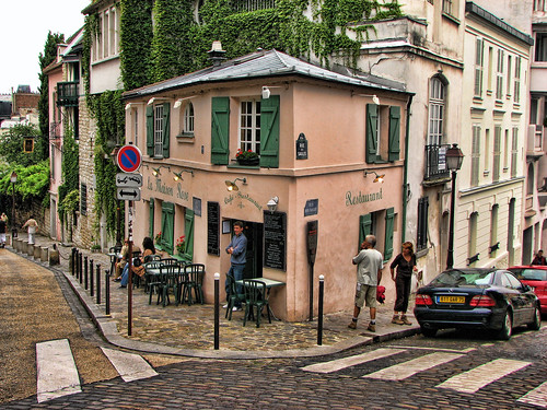 Montmartre le maison rose flickr photo sharing for La maison rose lourmarin