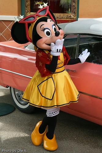 Disneyland  Paris  Abenteuer und Vergnügen für Groß und Klein Tauchen Sie ein in die Themenwelten Ihrer Disney Lieblinge Besuchen Sie mit Thomas Cook die ZeichentrickTraumwelten von Walt Disney und erleben Sie in Disneyland  Paris Micky Maus amp Co hautnah