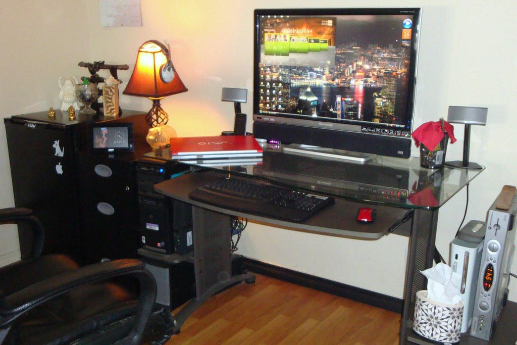 2560x1600p 30 39 39 gateway xhd3000 office pc setup with the w for Best home office setup 2015
