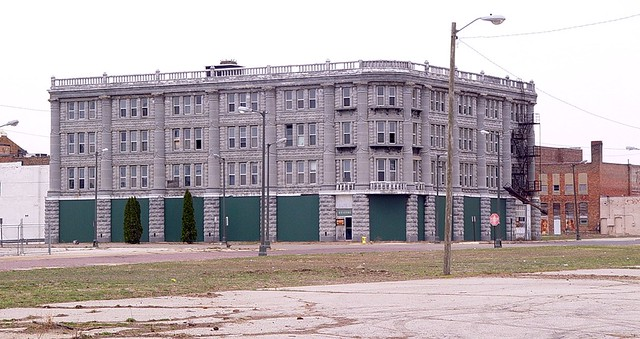 Mary, City Of David Hotel, Long Shot - Historic Landmark (House Of David) - Benton Harbor, Michigan - 3/28/09