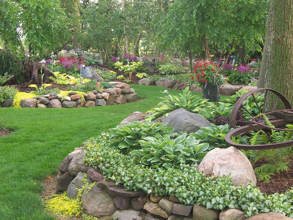100 1666 landscape design landscaping gardens shade gard for Rock garden bed ideas