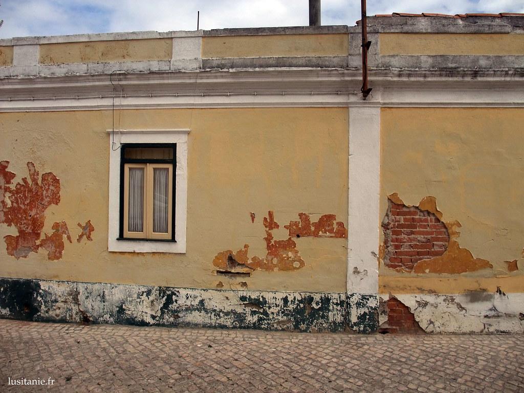 Fenêtre portugaise à Marinha Grande