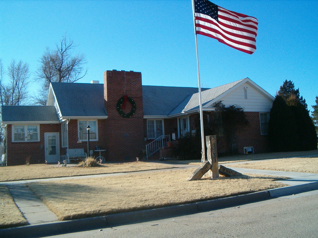 Bob Dole Home Russell Kansas | This house was the home of ...