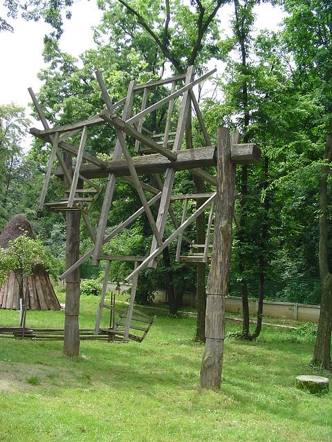 Rustic swing swing in village museum in bucharest for Swingvillage