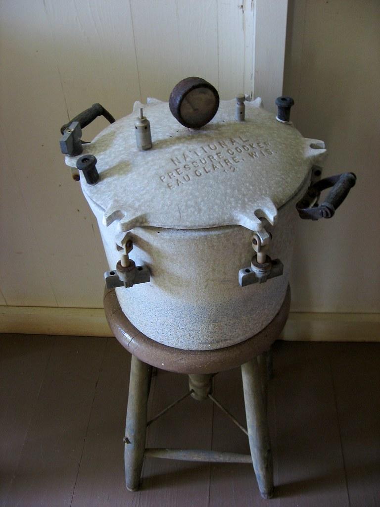 Vintage National Pressure Cooker, Eau Claire, Wis. 12 | Flickr