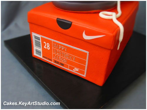 Nike Sneaker Running Shoe On The Box Cake Box Lable Cl