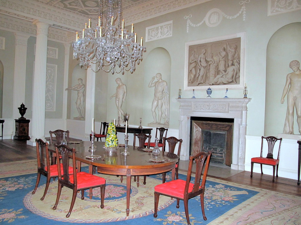 Dining room from lansdowne house robert adam metropolita for Period dining room ideas