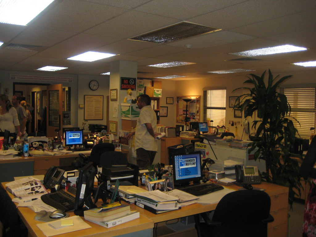 Dunder Mifflin Kristin Eonline Com The Office Set
