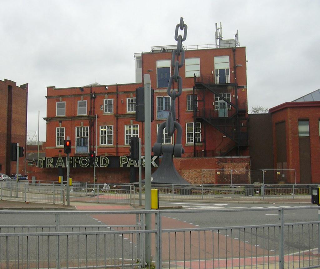 """Hookup New Baldwin Park: """"Sky Hook"""" Chain Sculpture, Trafford Park, Manchester"""