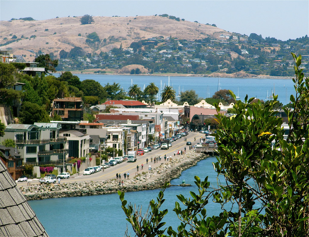 My own little peek at Sausalito shopping area | It pays to ...