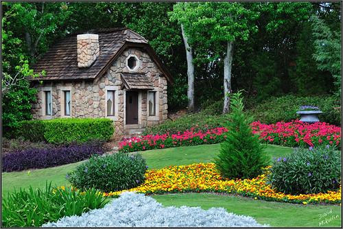 Victoria gardens epcot disney world florida flickr photo sharing for Victoria s secret victoria gardens