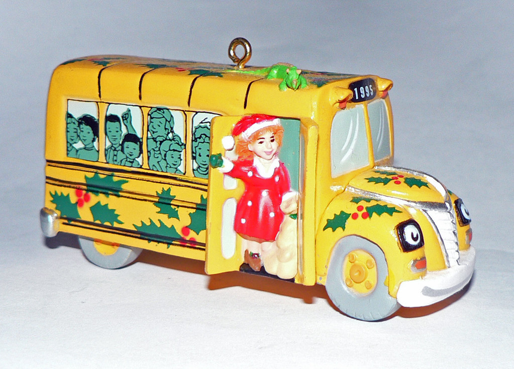 Usa hallmark magic school bus ornament 1995 another Hallmark usa