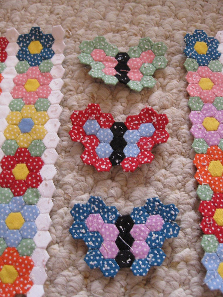 Tiny butterfly garden hexagon quilt new design i 39 ve been for Butterfly garden designs free