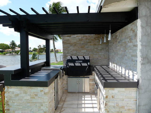 Built In Bbq Pergola Stacked Stone Outdoor Kitchen Flickr