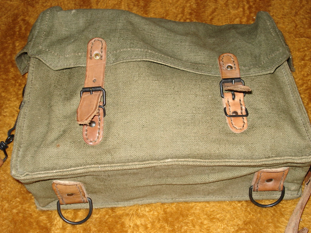 french m 1926 ammo bag made in clermont ferrand french m 1 flickr. Black Bedroom Furniture Sets. Home Design Ideas