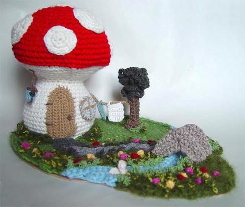 Free Kawaii Amigurumi Pattern : Red Mushroom House crochet A happy little mushroom house ...