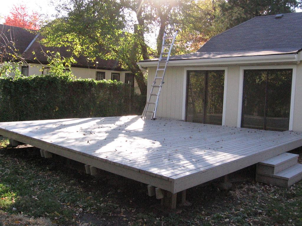 deck huge 20x20 deck and 2 sliding glass doors into the. Black Bedroom Furniture Sets. Home Design Ideas