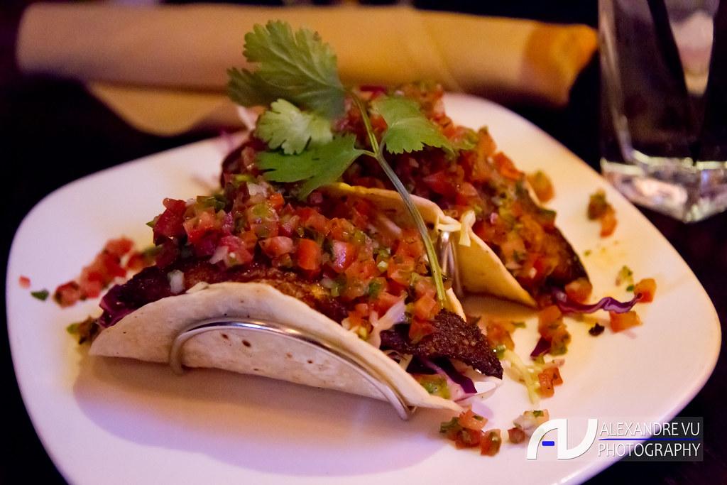 Grilled fish tacos cabbage slaw pico de gallo kimera for Fish grill pico