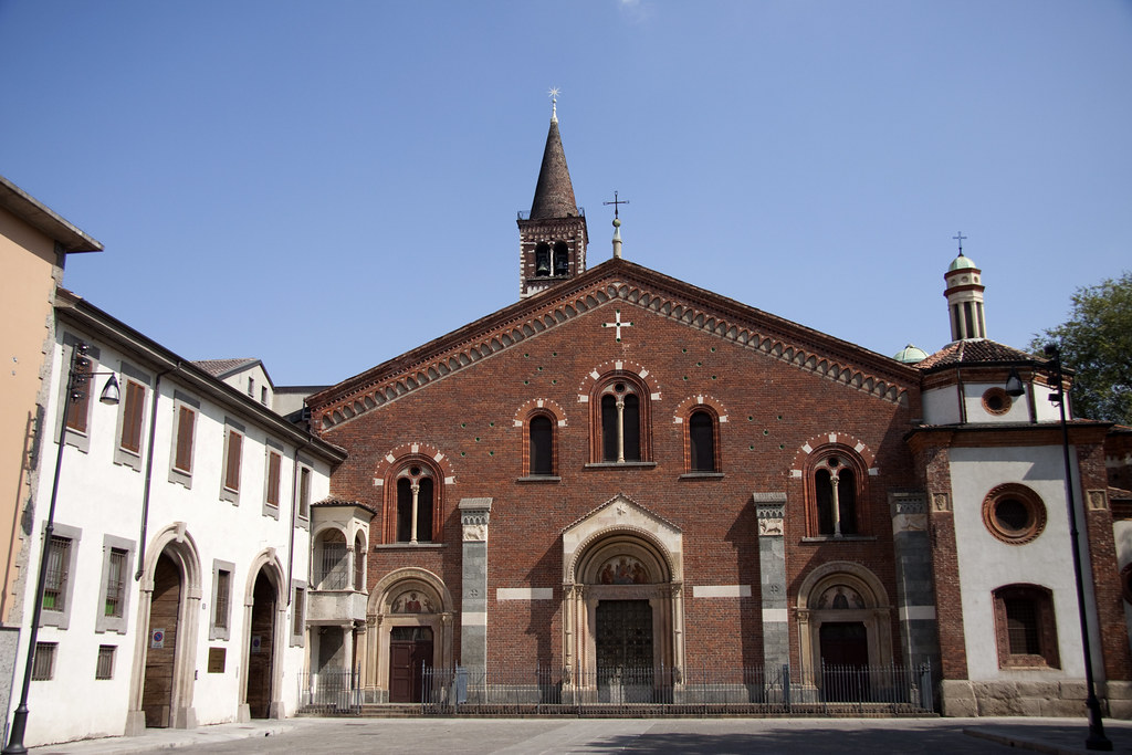 Piazza sant 39 eustorgio church with parts dating from 4th for Piazza sant eustorgio