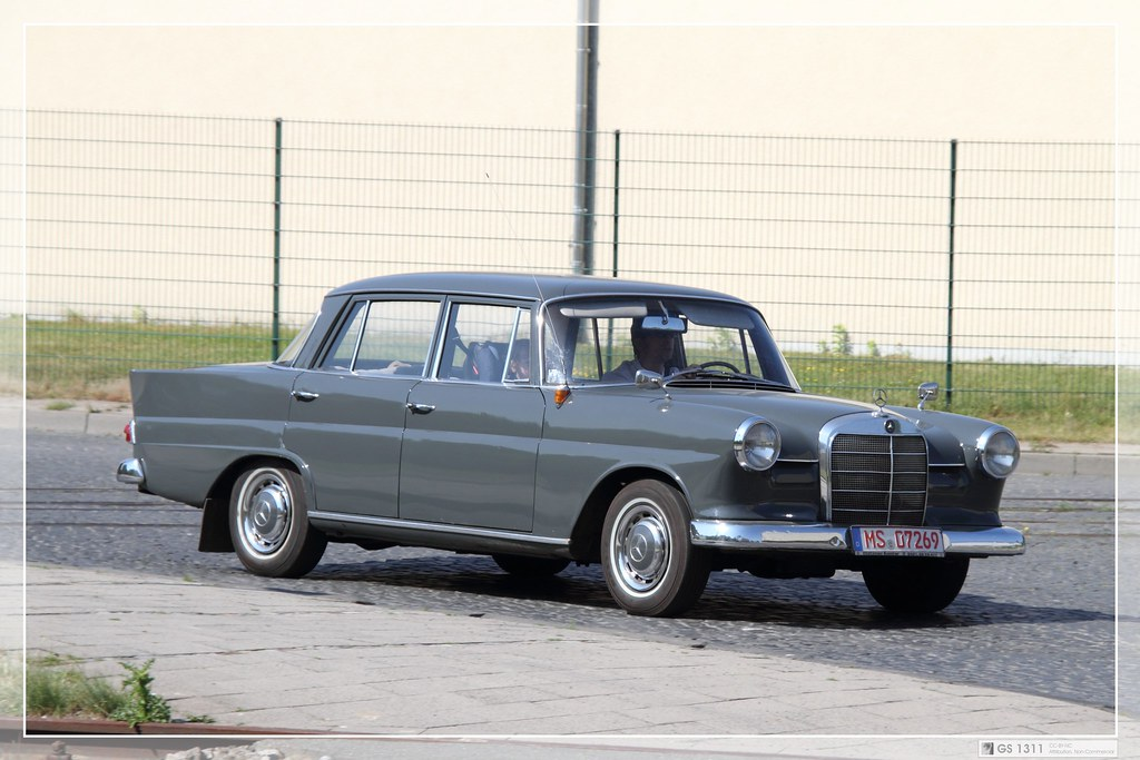 1961 mercedes benz w110 190 190d 01 the w110 fintail flickr. Black Bedroom Furniture Sets. Home Design Ideas