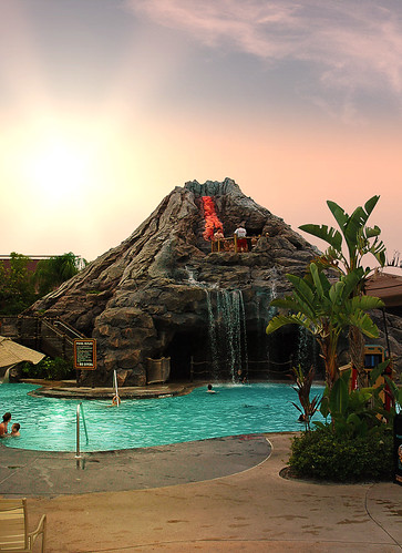 Walt Disney World - Disney's Polynesian Resort Pool | by wdwphotoclub