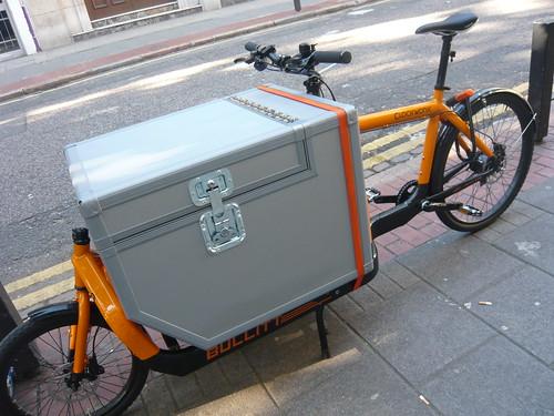 Bullitt cargo bike with custom box   by movingtargetzine