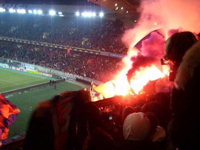 Fumigènes à Boulogne lors de PSG 0-3 Bordeaux