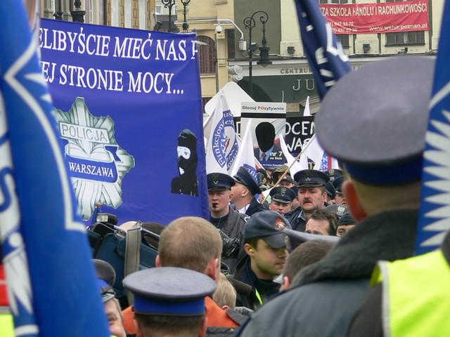 Znalezione obrazy dla zapytania strajk policjantów photo