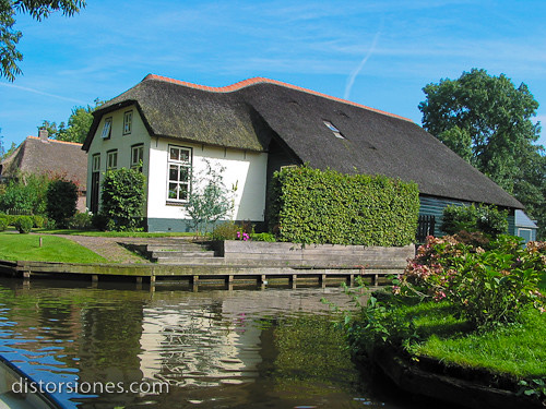 Una casa t pica holandesa esta imagen se us en la for Casa holandesa moderna