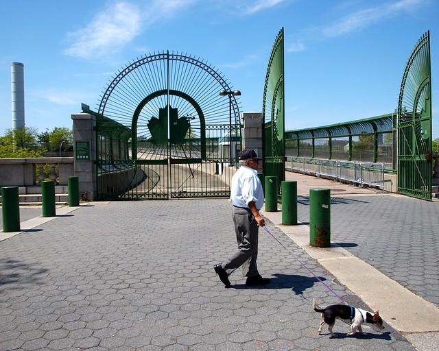 Riverbank State Park Entrance