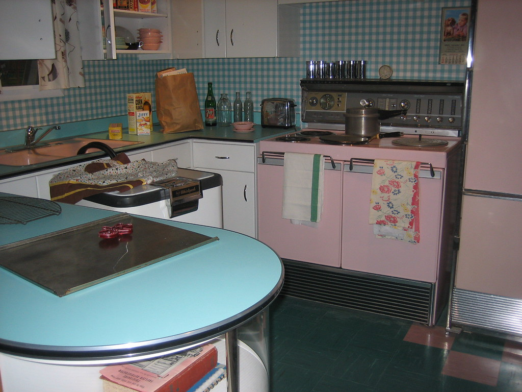Vintage kitchen display this is the vintage kitchen for Kitchen display