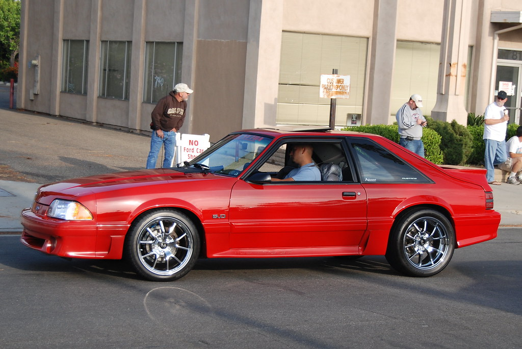 Ford Mustang 5 0 Gt Foxbody With Chrome Fr500 Style Wheels