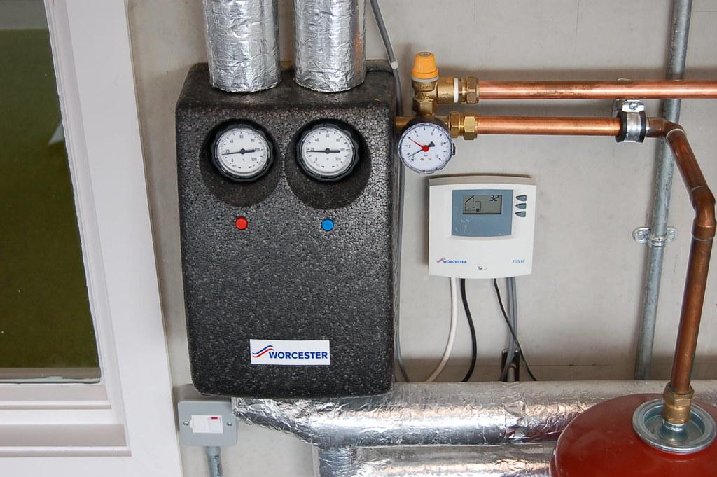 Worcester Bosch Solar Controller Amp Pump Station