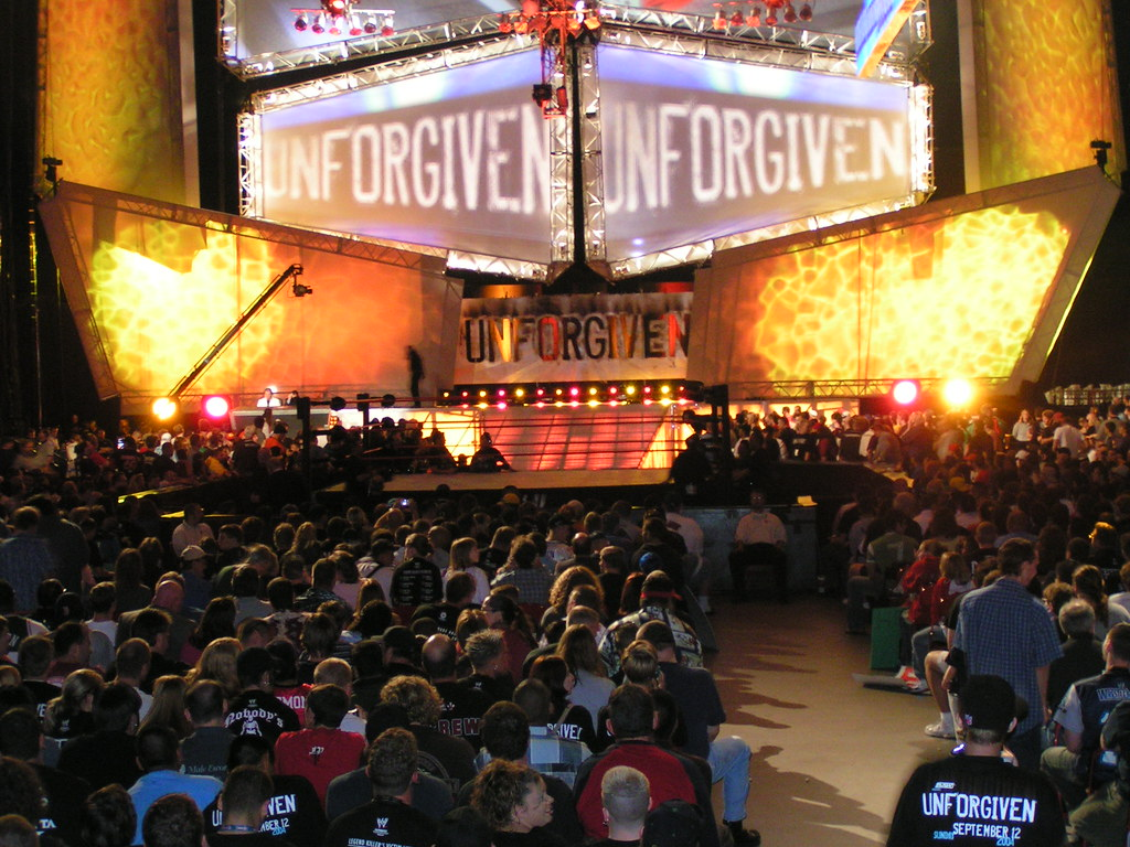 WWE Unforgiven 2004 | The stage for WWE Unforgiven in 2004 ...