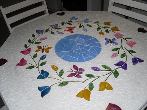 Minha mesa em mosaico balines flickr photo sharing for Mesas de mosaico