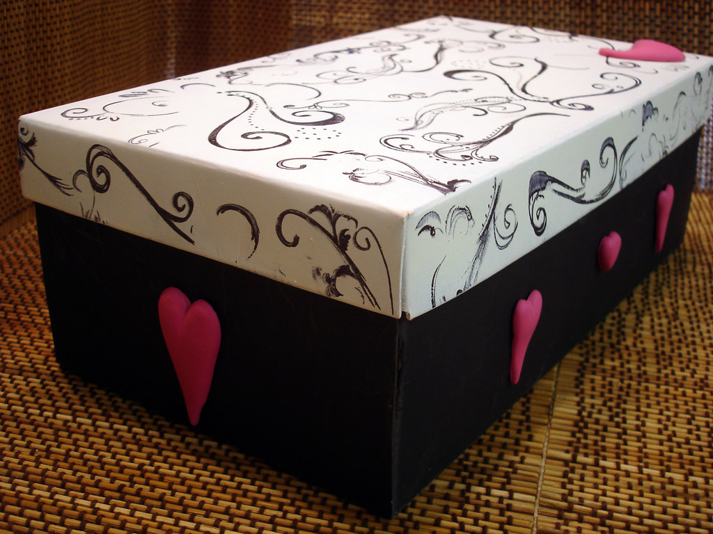 & Valentineu0027s Day Shoe Box | I decorated this shoe box with reu2026 | Flickr