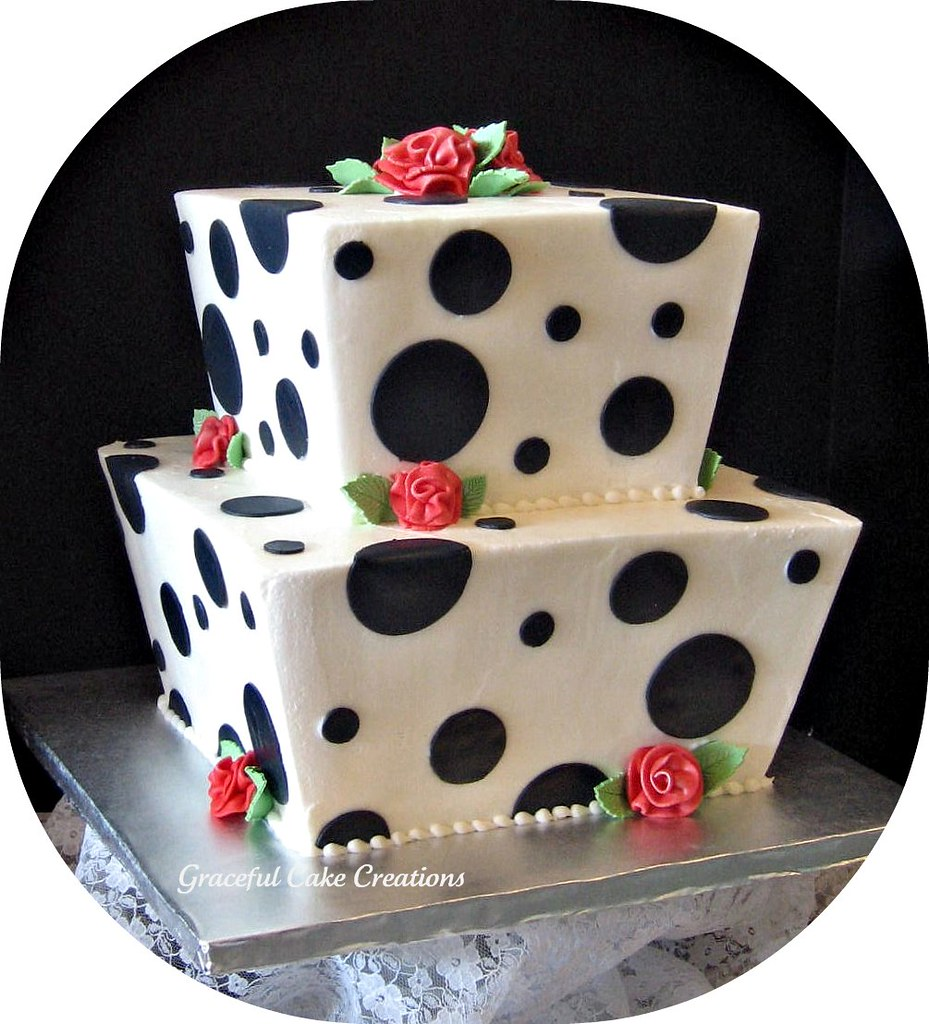 wedding cake polka dots polka dot wedding cake this cake is iced in white butter 23512