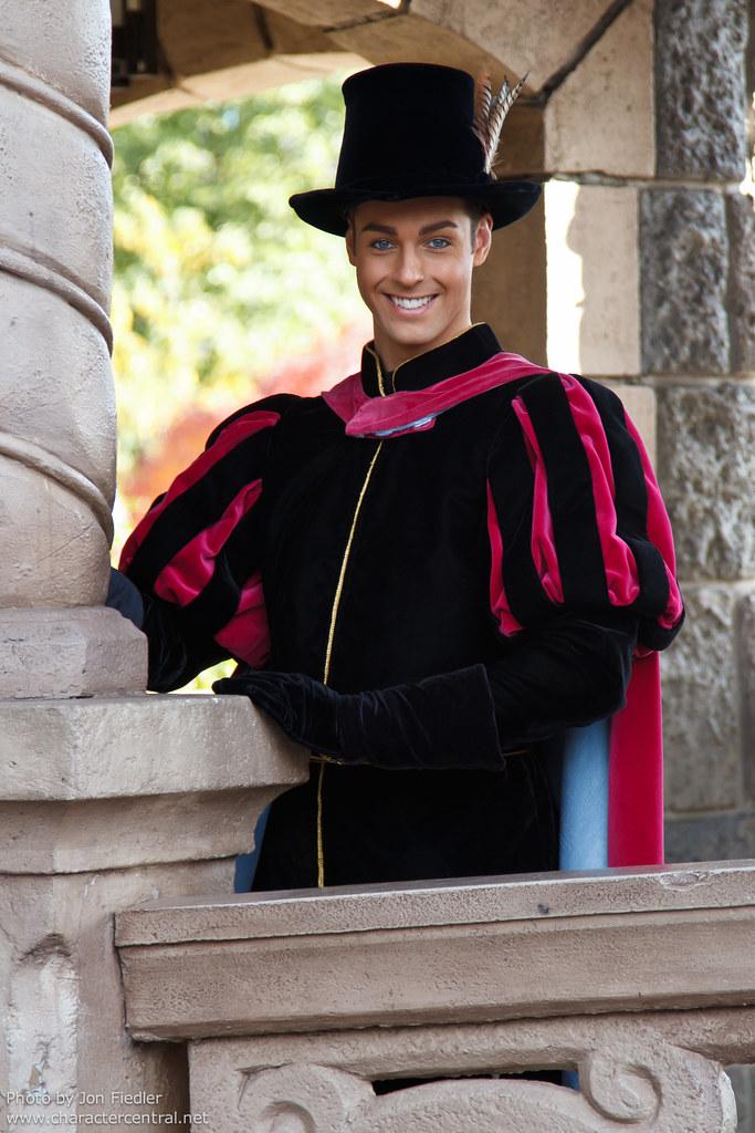 Dlp Halloween 2010 Prince Phillip Waits To Make His Entr