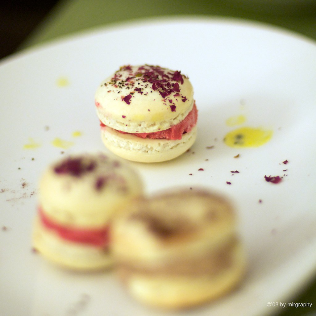Macaron filled with ice cream | Y's ever so delicious rose t ...