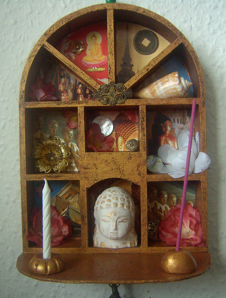 comendador buddhist personals Santo domingo (spanish pronunciation: [ˈsanto ðoˈmiŋɡo] meaning saint dominic), officially santo domingo de guzmán, is the capital and largest city in the dominican republic and the.