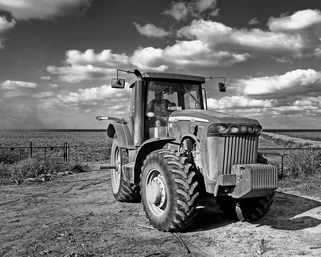 Black and White Tractor- HDR | Alex | Flickr