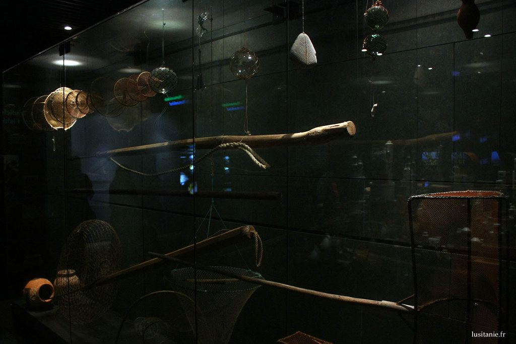 Exposition sur les métiers de la mer, dont la pêche