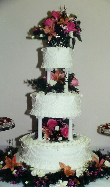 Three Tier Wedding Cake With Columns And Filigree Karla