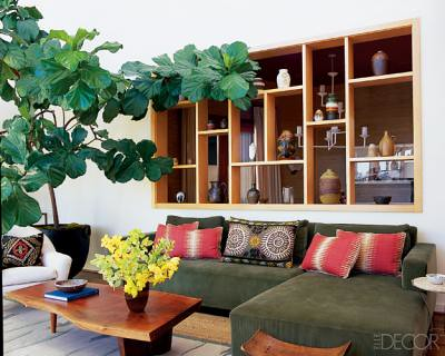 Earthy modern california living room featured in elle de for Earthy apartment decor