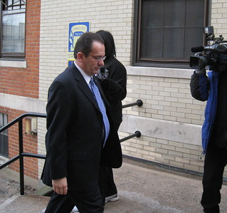 Hartford Mayor Eddie Perez, facing bribery charges, walks into state police barracks | by WNPR - Connecticut Public Radio