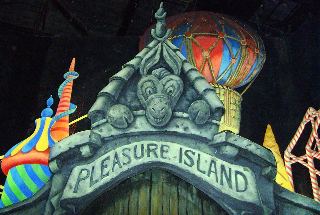 Pleasure Island - Startseite Facebook