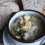 Herzhafte Suppe mit Lamm und Perlgraupen