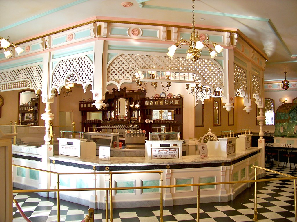 Gibson Girl Ice Cream Parlor | Loren Javier | Flickr