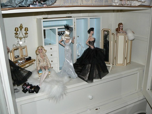 ... Fashion Royalty; New Doll House   By Toomuchdolls