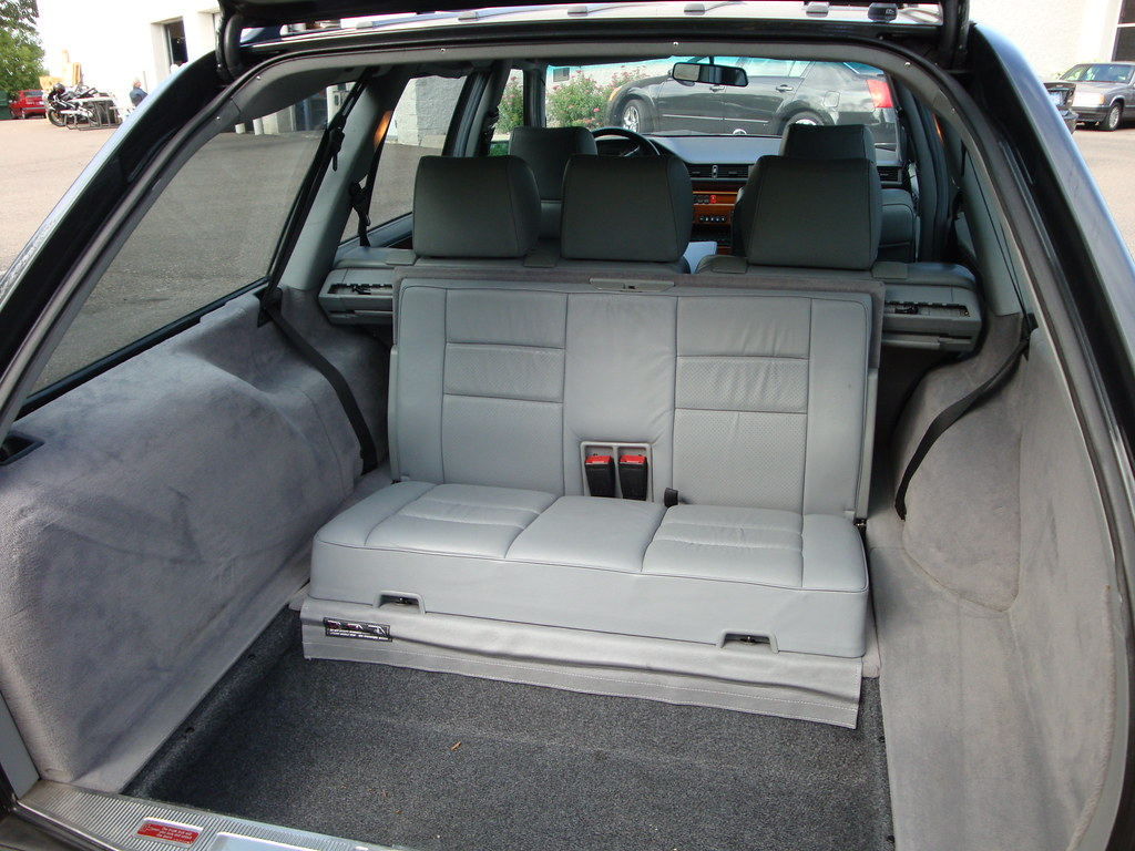 White Mercedes Benz >> rear facing 3rd row jump seat | 1992 Mercedes 300TE 4MATIC ...